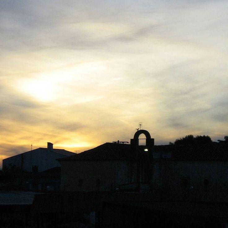 Shared by viviana_machado_ #landscape #contratahotel (o) http://ift.tt/1SiP5Mo de Yaguarón al atardecer. El arco que se ve en la foto corresponde al edificio de la cárcel visto desde el Puente Internacional Mauá. #ig_riograndedosul_ #atardeceres #sunset #paisajes s #loves_sudamerica #fotografosuy #canonpowershot #sinfiltro