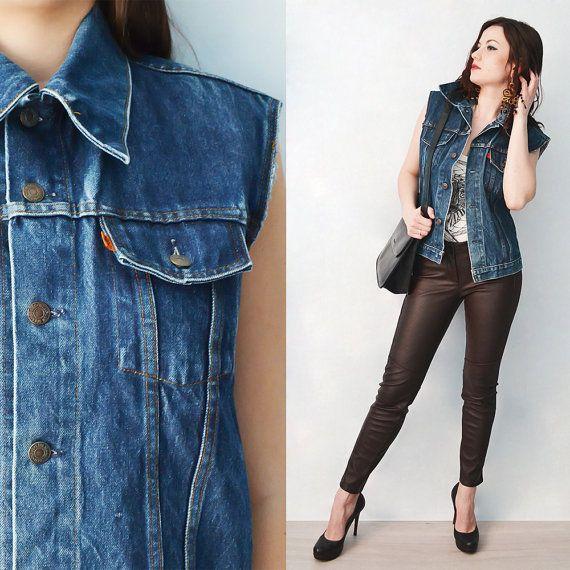 Denim Jacket, Navy blue Trucker jacket. Rock' n roll style Levi's jacket, Vintage Womans Clothing, Size M/38, Six Vintage Chicks