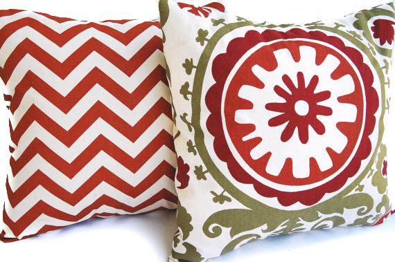 Coppia di arancione decorative throw pillow copre per dimensione 20 x 20 inserti in ruggine e naturale zigzag Chevron (non bianco) e ruggine,