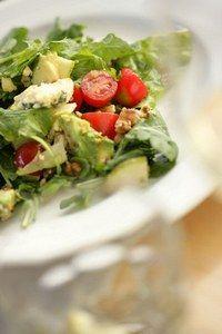 Salatrezept zum abnehmen - Abnehmen mit der amerikanischen Säure-Base Diätmethode - Frühstück Saft einer gepressten Zitrone 1 Birne oder 1 Traubenrispe 1 Mandelmilch Mittagessen 1 Hühnchenschlegel (mit oder ohne Haut) Beliebig viel Gemüse (dampfgegart oder...