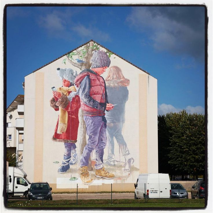 Fintan Magee @ Savigny le Temple pour le Wall Street Art Festival Grand Paris Sud.  Photo : Lionel Belluteau Plus de photos sur http://ift.tt/YMhG58  @fintan_magee #fintanmagee #fintan_magee @galerie_mathgoth @wall_street_art_grandparissud #savigny_le_temple #savignyletemple #wall_street_art_grandparissud #gps #mathgoth #paris #unoeilquitraine #streetart #art #lionelbelluteau @unoeilquitraine