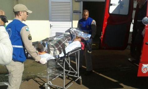 Homem fica em estado grave após queda - CGN - O maior portal de notícias em vídeo de Cascavel.