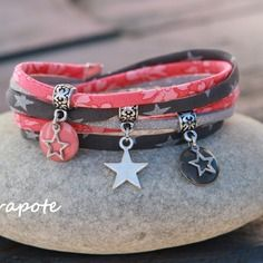 Bracelet cordon liberty 2 tours _ breloque étoile et sequin émaillés _  corail gris et argenté
