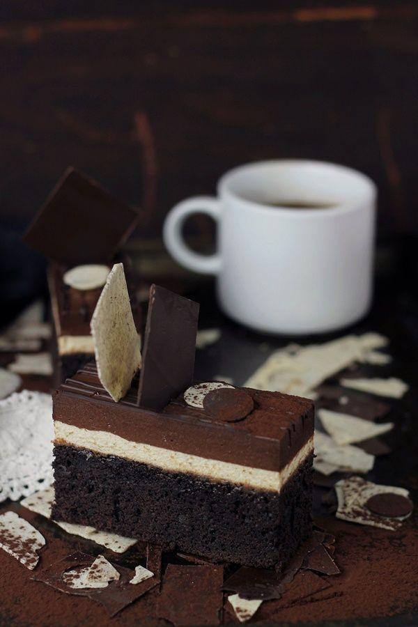 Devil's food cake cu mousse de cafea si cremeux de ciocolata | Pasiune pentru bucatarie
