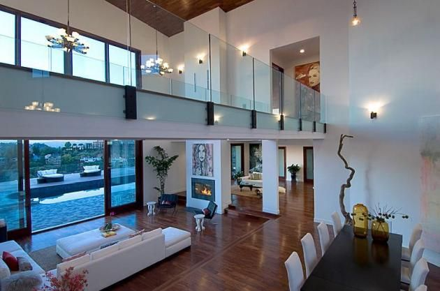 Celebrity Home: Rihanna's House In Beverly Hills, California