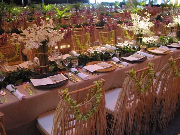 hawaiian themed table scape   floral  Luau party