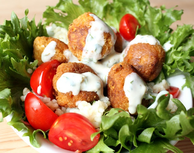 Tofulafel - kjøttfrie kjøttboller #falafel #chickpeas #vegan #vegetarian #kikert #tofu #havregryn #oats #meatballs