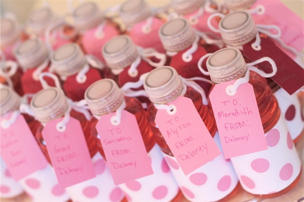 Fun idea for valentines for the older aged kids (4th/5th grade): Party Favors, Valentines Ideas, Valentine'S S, Parties Favors, Fun Ideas, Classroom Parties, Favors Ideas, Valentines Classroom, Amanda Parties