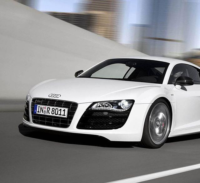 Audi R8 #carsofinstagram#carstagram#carporn#dreamcar#dreamcars#luxurycars#car#cars#madwhips#carsportting#hypercar#4x4#Lamborghini#ferrari#laferrari#MercedesBenz#bmw#Porsche#McLaren#gtr#audi#instacar#instacars#sportscars#exoticcars#luxurylife #like4like #follow4follow #lnstalike #likeforlike