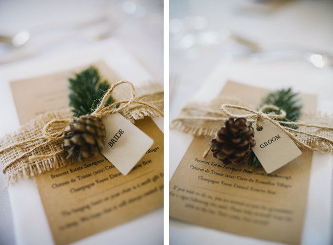 Lovely and simple napkin decoration for a Winter Wedding