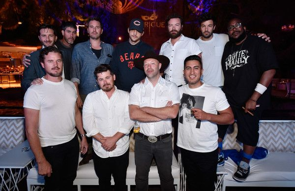 Eric Dane Photos Photos - Actors Ashton Kutcher (back row 4th L), Danny Masterson (back row 3rd R), Jordan Masterson (back row 2nd R) and Eric Dane (front row L) attend Intrigue Nightclub at Wynn Las Vegas on September 3, 2016 in Las Vegas, Nevada. - Ashton Kutcher, Danny Masterson, Jordan Masterson, Eric Dane and Friends Stop by Intrigue Nightclub at Wynn Las Vegas