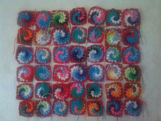 Bobble Spiral squares
