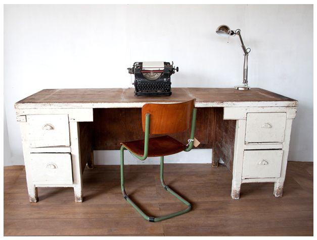 brocante_oude_houten_werkbank_bureau_sfeer