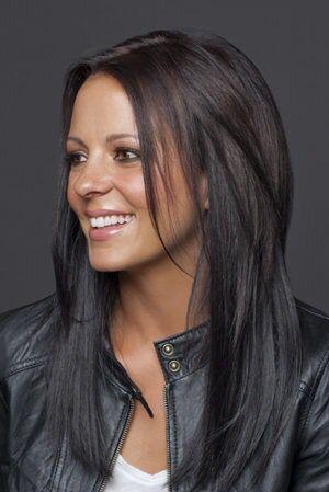 Sara Evans haircut