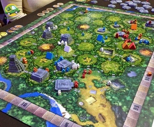 Tikal (nuova edizione) è un gioco di esplorazione nelle misteriose giungle dell'America Centrale, alla ricerca dei templi antichi e dei tesori in essi custoditi. Inviate i vostri esploratori nella giungla scoprendo sempre nuove tessere, nel tentativo di trovare i templi, preziosissimi per i punti vittoria e per la possibilità di ottenere nuove ricchezze. Al termine dell'esplorazione il giocatore con il maggior numero di punti sarà eletto il migliore tra gli esploratori.2-4 gioc, +10, 120min