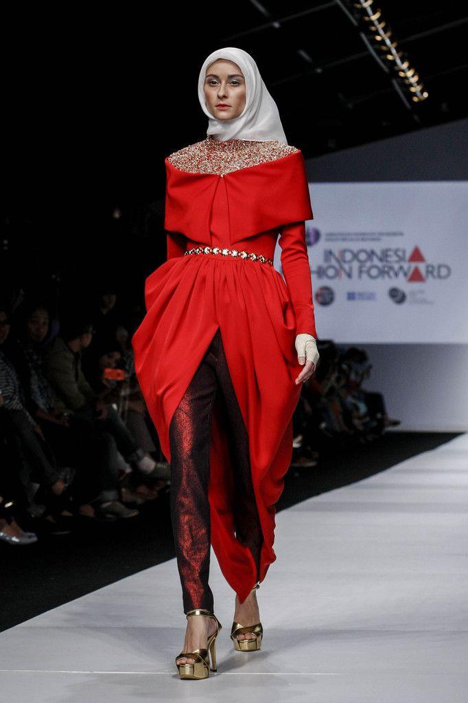http://www.zimbio.com/pictures/DUnRicZ4YC_/Jakarta Fashion Week 2015 Day 1/Rq_t8_nRkxz
