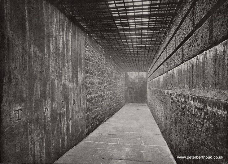 'graveyard' at Newgate Prison. Essentially a passage between the Gaol and the Old Bailey. Only prisoners from North of the River were hanged at Newgate, prisoners from South of the River were hanged at Wandsworth Gaol unless otherwise ordered by the Authorities.