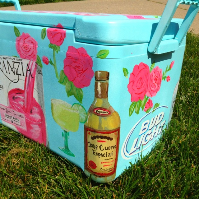 @Emma Drummond Hunt makes the coolest painted coolers ever! Hand painted cooler <3