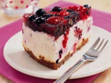 Dort ze zakysané smetany s borůvkami / Cream cake with blueberries