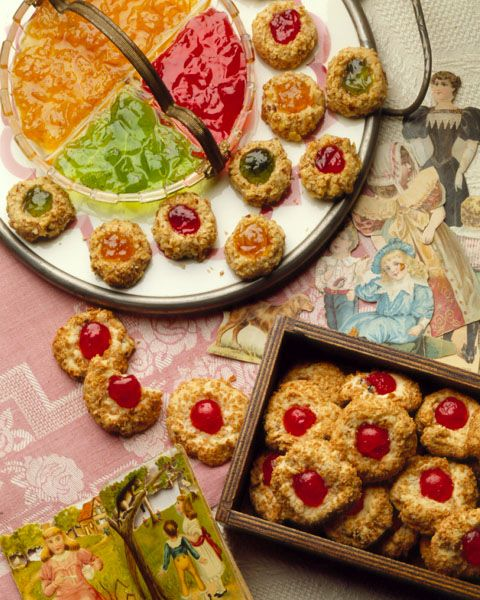 "Cherry Blinks, ""Betty Crocker's Old-Fashioned Cookbook"" © 1990."