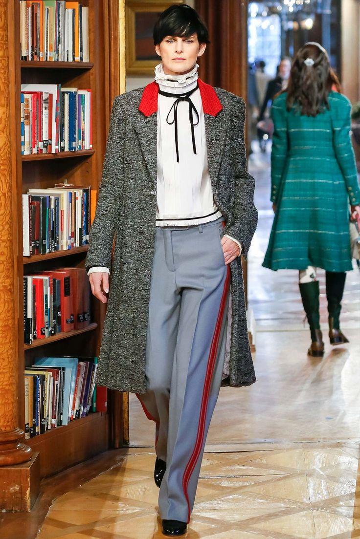 Chanel Pre-Fall 2015 Fashion Show - Stella Tennant