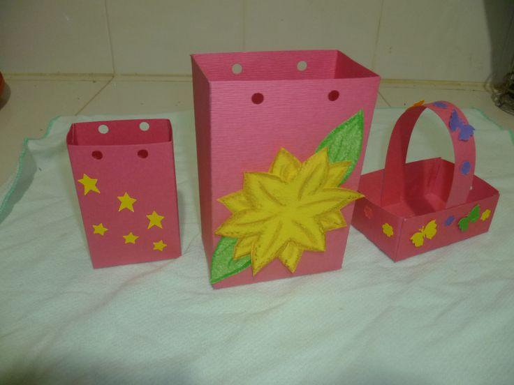 bolsas y canastica para regalos
