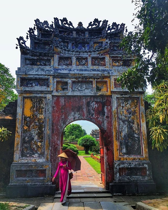 What An Entrance You Are About To Enter The Gate Of The Hung To Mieu Temple In Theimperial City And Purpl Vietnam Travel Guide Forbidden City Vietnam Travel