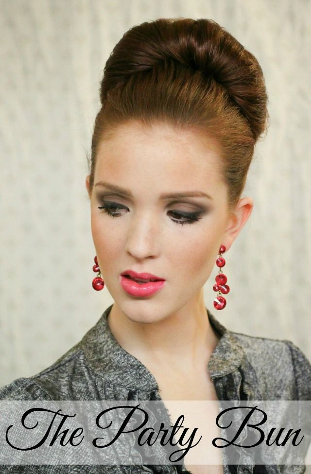 The Freckled Fox - a Hairstyle Blog: Holiday Hair Week: The Party Bun