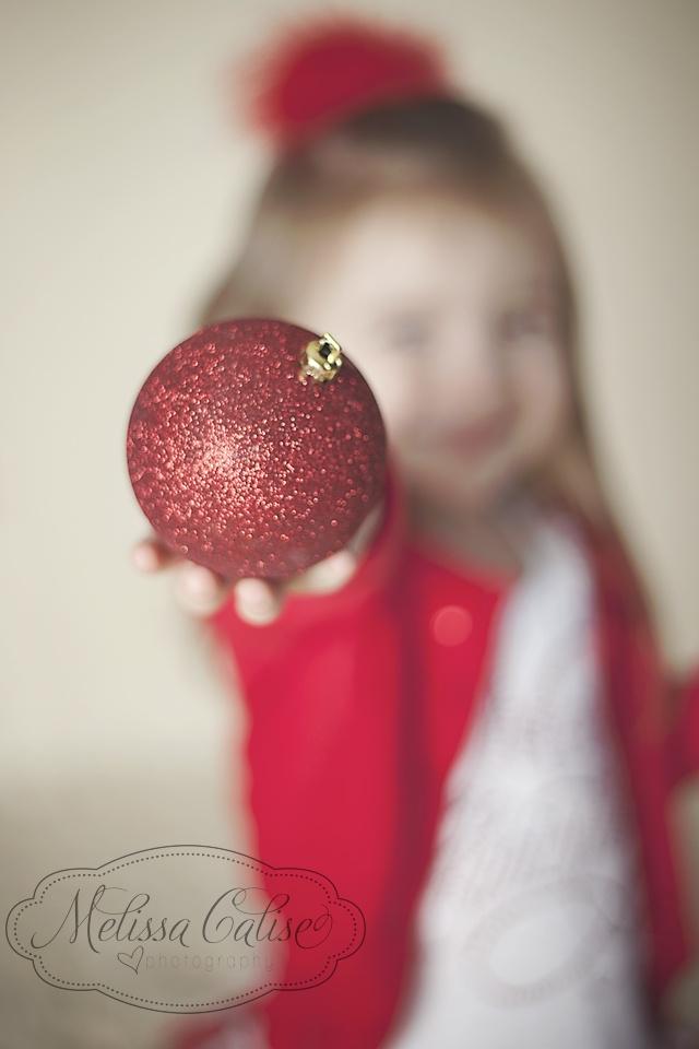 Melissa Calise Photography (Holiday Photoshoot Mini Session Ideas Christmas Ornament)