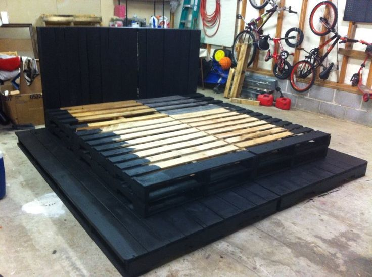 King Size Pallet Bed So The Painting Is Done This Is The