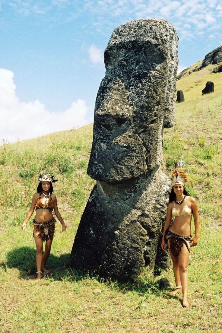 Easter Island statue. Isla de Pascua, Chile