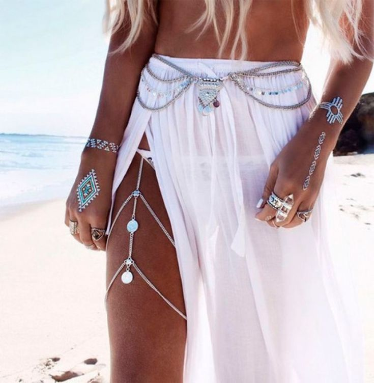 Parez votre corps de bijoux pour être la reine de la plage - Les Éclaireuses