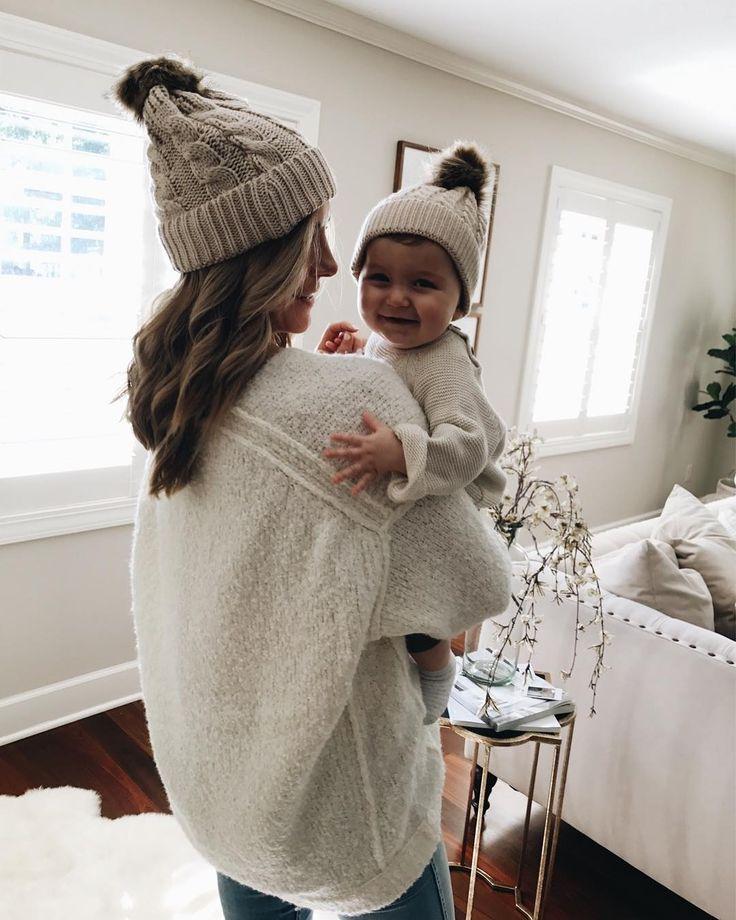 Ihanat samistelumyssyt äidillä ja vauvalla! Tupsupipo on talvikauden suloisin asuste!