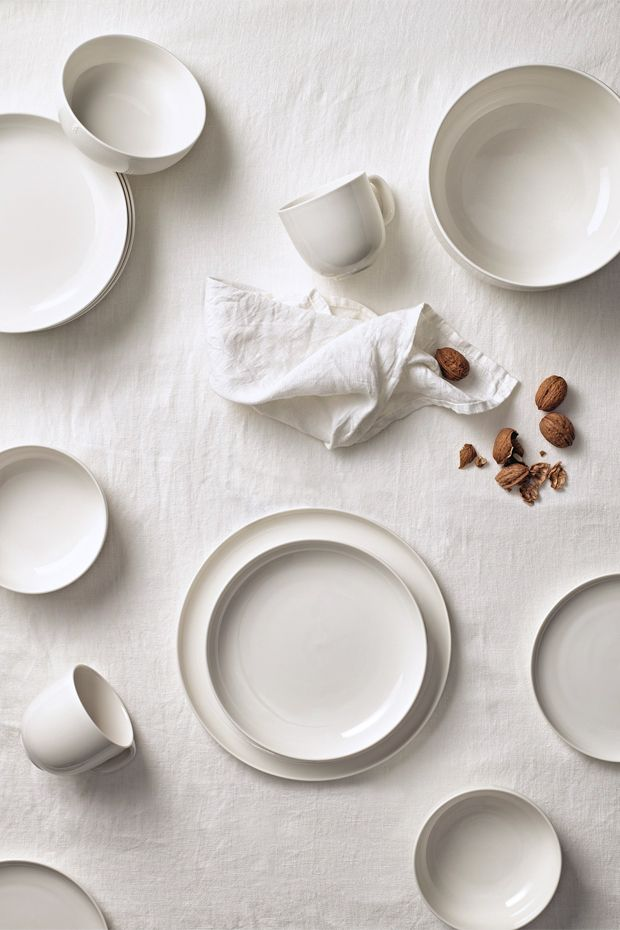 INWHITE Tableware, Rörstrand. 2014 Design: Monica Förster Design Studio Creative Director: Monica Förster Team: Riccardo Paccaloni, Astrid Elander, Natascha Sporer, Marine Hérisson #rörstrand #tableware #ceramics #scandinaviandesign #product #inwhite #table #kitchen