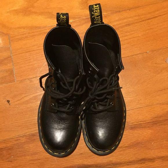 Doc Marten/ Dr. marten Doc marten UK size 3 Dr. Martens Shoes