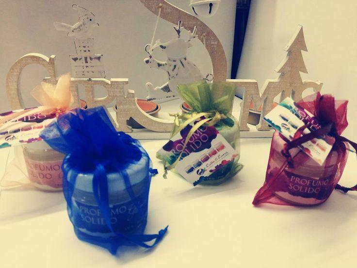 Sono arrivati in bottega i profumi solidi per il corpo Latte & Luna cosmesi ecodermocompatibile, in 4 diverse profumazioni: Glicine & Lilla, Milkshake (panna e fragola), Rosa e Vaniglia, Mughetto. Ideali per voi o da regalare.... http://www.vecchiabottega.it/latte-luna/ #Vecchiabottega #LatteELuna #profumosolido #acquistionline #regalidiNatale #Natale2016 #cosmeticibio #cosmeticibiologici #ideeregalooriginali #ecobioblogger #profumonaturale