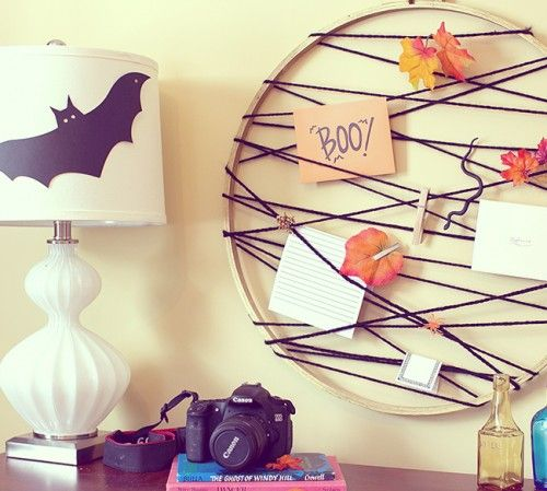 9 DIY Hoop Crafts For Fall And Halloween