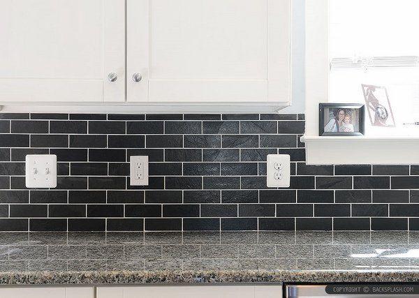 New Caledonia granite countertops - trendy gray shades in the kitchen