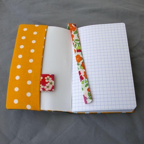 protège carnet + ruban marque page (3 petites fourmis)