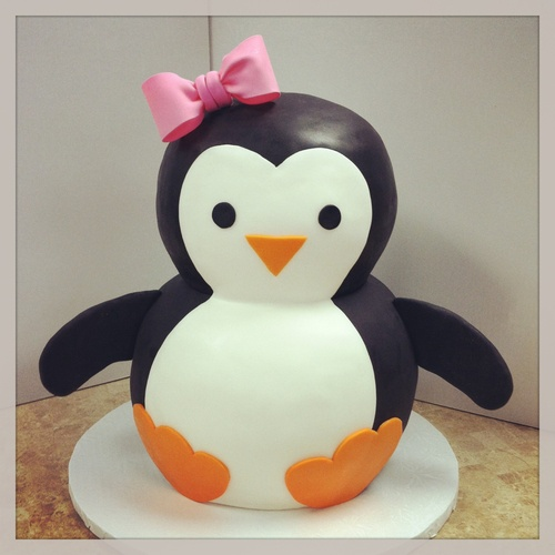 Elizabeth would love this cake. I even have the cake pans to make it. Too bad I'm not that gifted with baking.