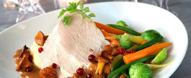 DAGENS RETT: Kalkunfilet og tyttebær setter en spiss på søndagsmiddagen - Aperitif.no