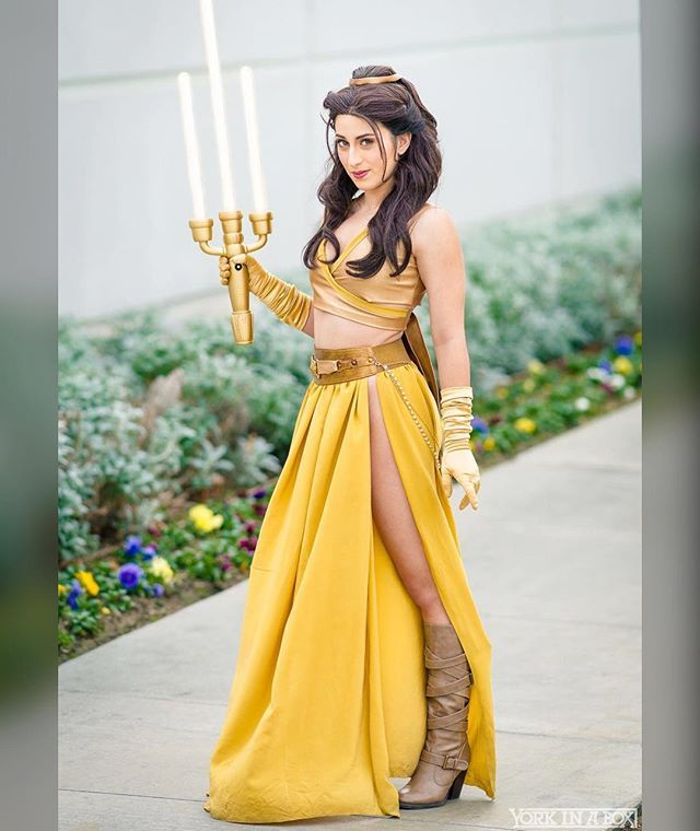 Just got a super cool article on my Jedi Belle cosplay from @yahoo! ❤️ Thanks guys! https://www.yahoo.com/tv/says-disney-princesses-arent-star-234500516.html?soc_src=social-sh&soc_trk=fb #starwars #disney #jedibelle #cosplay