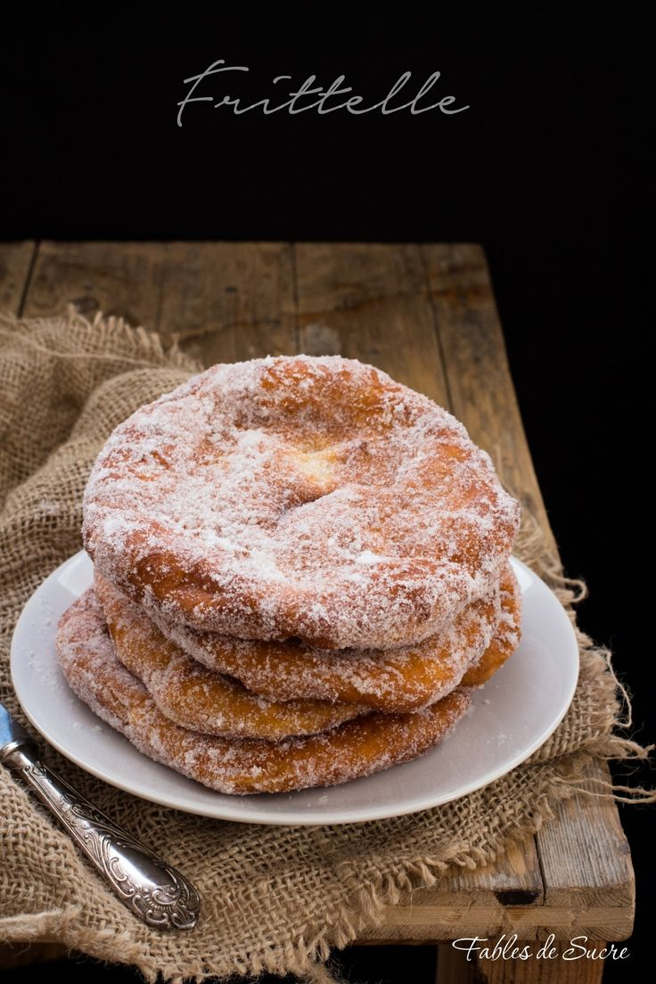 Le frittelle della nonna sono un classico intramontabile, piene di zucchero…