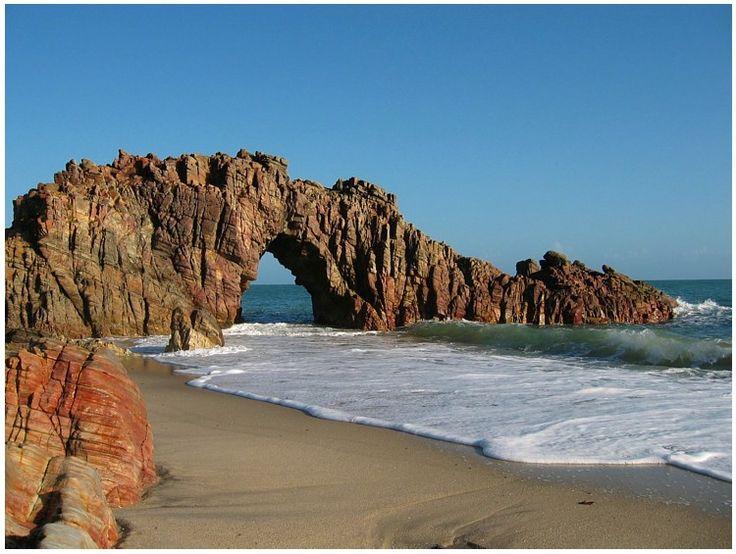 /pedra-furada Jericoacoara – Ceará, Brazil