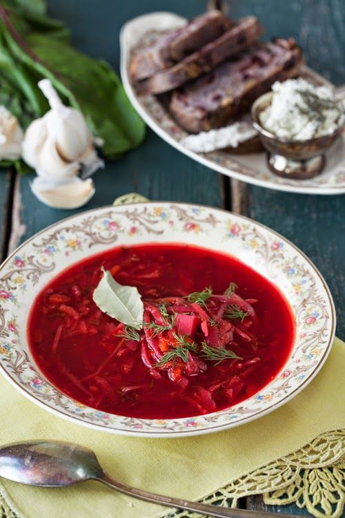 野菜のボルシチ。ロシアの月曜日。 彼の子供の頃の味。