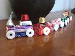 "Looks like a perfect ""craft"" for Jingles the Elf to make for my train obsessed son!"