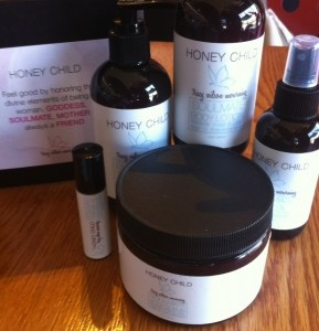 I love Tracy Wilson Mourning's Intense Moisture Body Collection, Honey Child! Made with natural ingredients, it's amazing for your skin! ♥