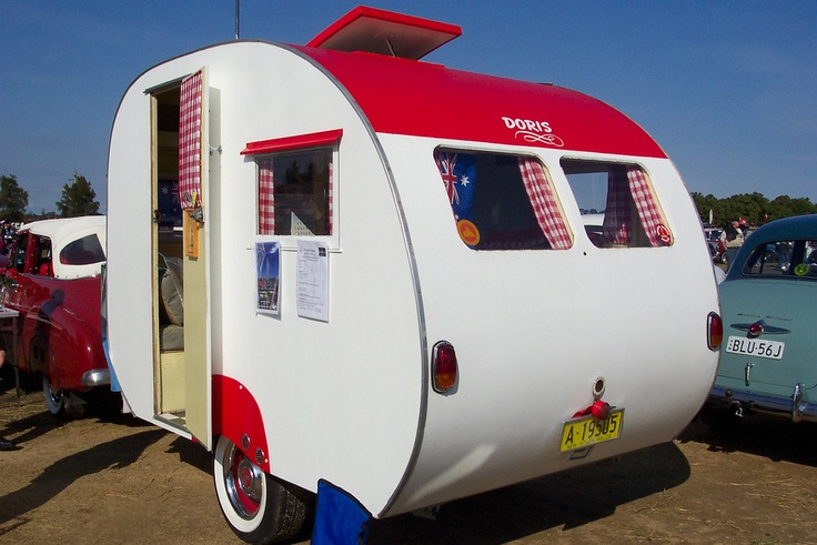 """Doris"" 1950′s Atlantic caravan based in New South Wales, only 9ft 6 long. More photos here http://vintagecaravans.com/forum-member-profiles/mrfj55-1950s-atlantic/"