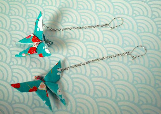 Des boucles d'oreilles en origami : http://www.modesettravaux.fr/boucles-oreilles-origami/