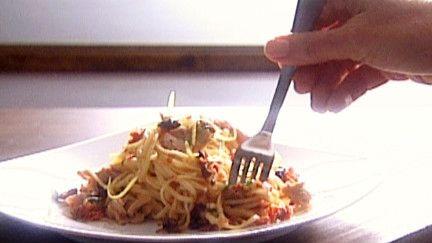 Pâtes au thon et pesto de tomates séchées - Recettes - À la di Stasio